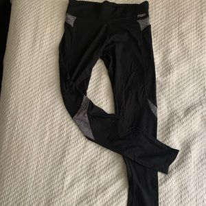 PINK Victoria's Secret Ultimate Yoga Legging